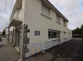 location Local Commercial 100 m² VANNES 56
