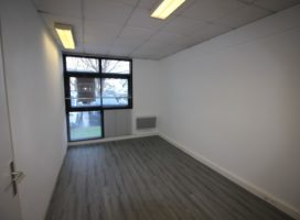 location Local Commercial 41 m² VANNES 56
