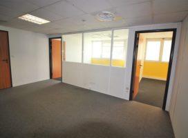 location Bureaux 93m² BRUZ 35
