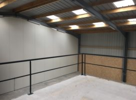 location Local d'activité 216 m² THEIX 56