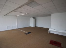 location Local Commercial 66m²  56