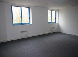 location Bureaux 210m² VERN SUR SEICHE 35