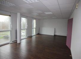 location Bureaux 70m² PLESCOP 56