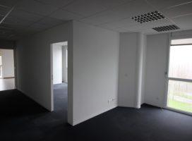 location Bureaux 82m² PLESCOP 56