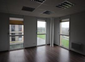 location Bureaux 78m² PLESCOP 56