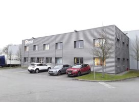 location Local d'activité 5230m²  35